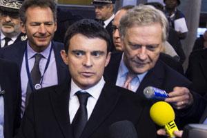 Manuel Valls a également salué l'idée du Permis Internet pour les enfants, tel qu'il a commencé à être proposé par la Gendarmerie nationale et l'association AXA Prévention dans le cadre d'un programme pédagogique pilote.