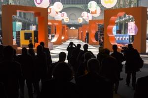 Le 17 mars, Orange présentait son nouvel univers de marque sous la nef du Grand Palais
