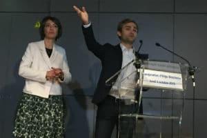 Xavier Duportet, cofondateur d'Eligo Bioscience, aux côtés de Marisol Touraine, ministre de la santé. © Charlie Perreau