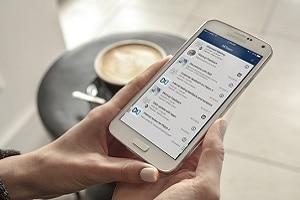 MiTeam (Mitel) offre des services de collaboration en temps réel conçus pour le travail d'équipe en environnement mobile.