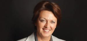 Patricia Waldron-Werner, senior vice president, Human Resources d'OBS, nous livre ses méthodes de recrutement dans un monde où les technologies évoluent très vite et où il faut anticiper ses besoins comme les demandes de ses clients.