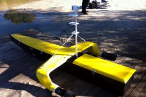 """""""Droneo"""", le drone marin qui navigue et cartographie les fonds. © R&Drone"""