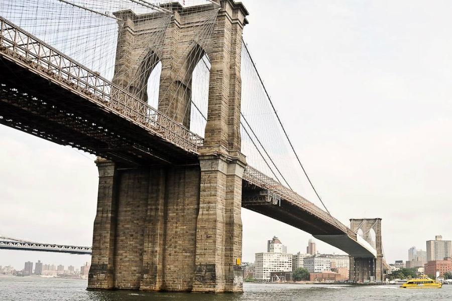 Brooklyn Bridge Flickr CC © Alan Sunners
