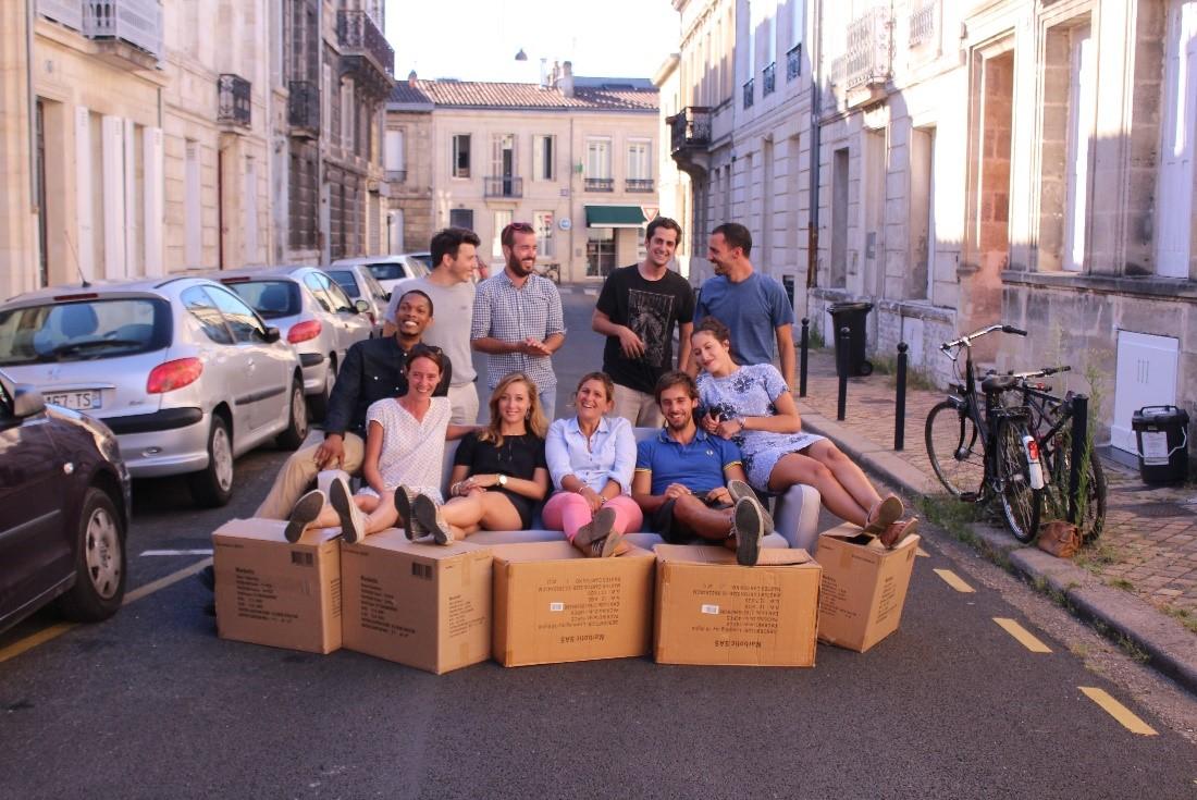 L'équipe de Jestocke.com dans une rue bordelaise (DR)