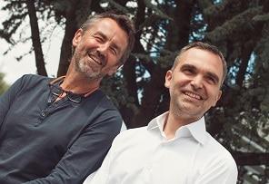 A gauche, Nicolas Boutherin, co-fondateur, président et directeur artistique de Klokers. A droite, Richard Piras, co-fondateurs et CEO. ©Klokers