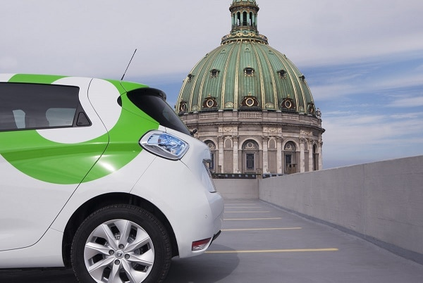 Depuis octobre 2016 à Copenhague (Danemark), les solutions de Vulog permettent à Renault et l'opérateur danois Green Mobility d'offrir un service d'auto-partage 100 % électrique avec 450 Renault Zoé.