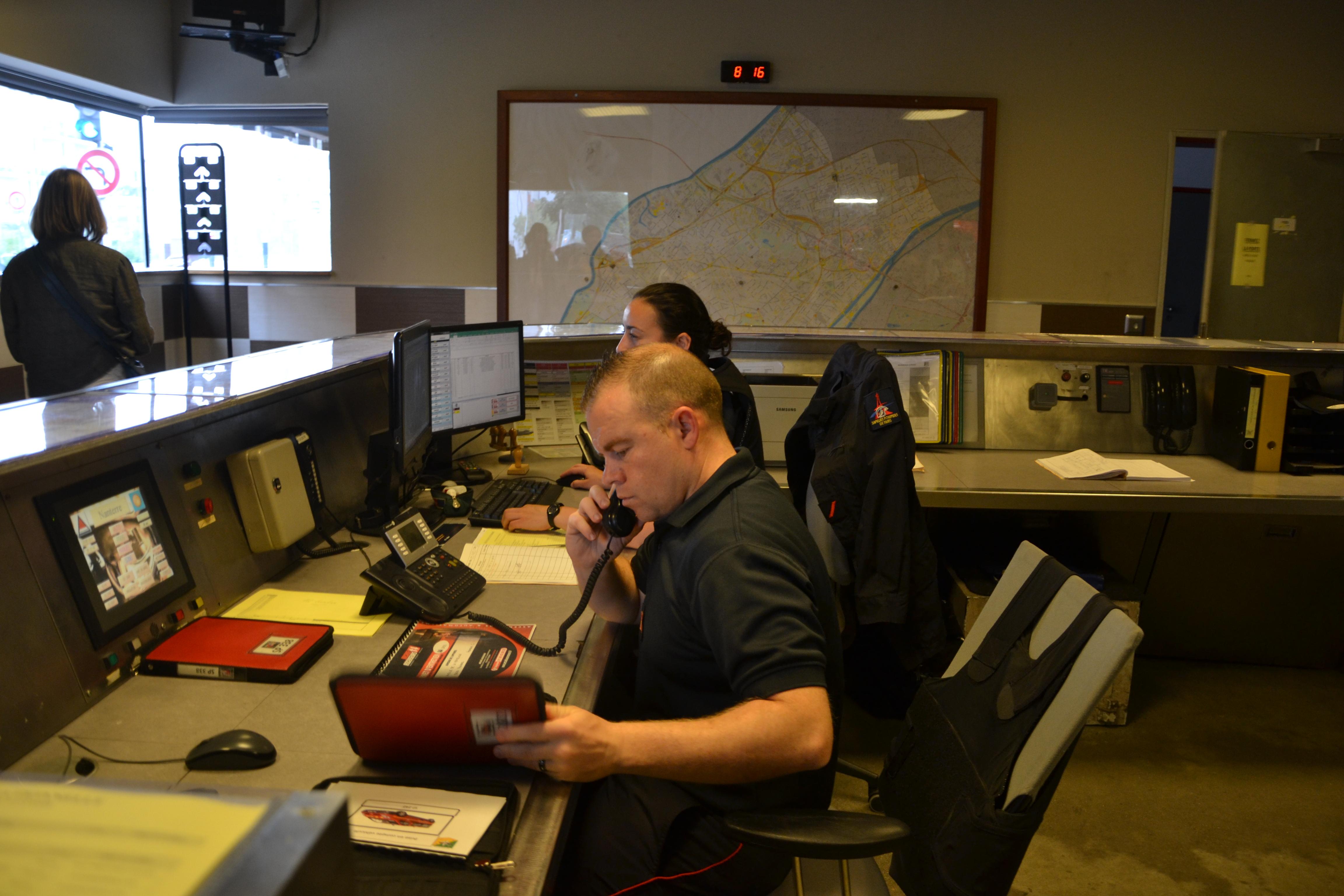 -Le poste de veille opérationnelle est le centre névralgique, c'est de là que partent les ordres d'intervention.