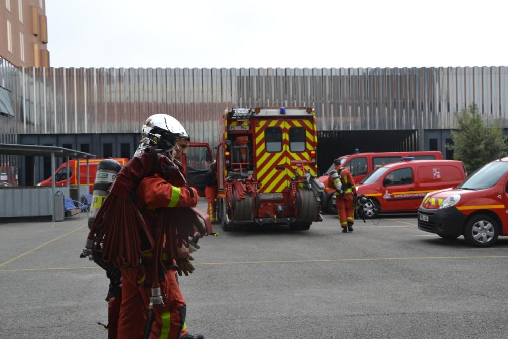 Les pompiers doivent être prêts en moins de trois minutes quand retentit leur ordre d'intervention.