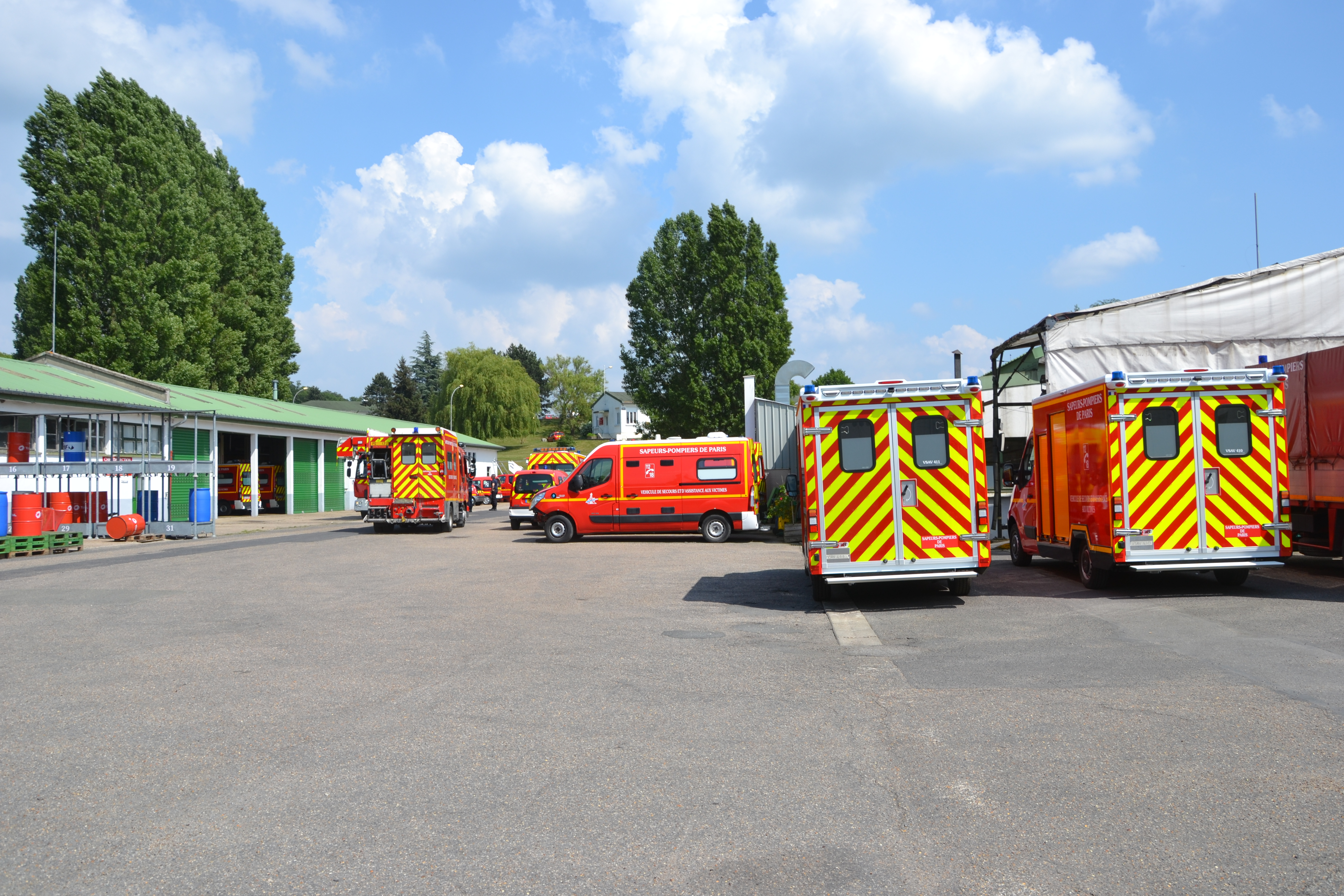 Le centre technique de niveau 2 a été installé en 1967 à Voluceau, sur l'ancien site de l'Otan.