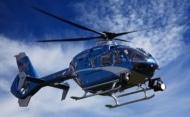 Un directeur de la recherche et de l'innovation qui fait l'hélicoptère