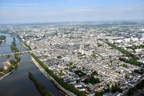 Orléans est la première ville a testé un chatbot en interne pour ses agents. © Duval R.Comet