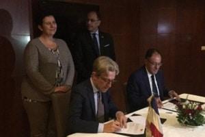 présence de Madame Frédérique Vidal, Ministre française de l'enseignement supérieur, de la recherche et de l'innovation, et de Monsieur Slim Khalbous, Ministre tunisien de l'Enseignement Supérieur et de la Recherche Scientifique.