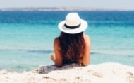 Etude – Vacances d'été : les voyageurs européens impactés par des frais cachés
