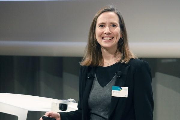 Nathalie Brousset (La Poste) : « Un projet  digital workplace de 200 000 salariés est plus qu'un simple changement d'outil »