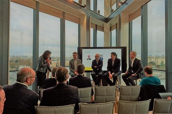 """À droite, le président de Microsoft France, Carlo Purassanta, présent à la conférence de rentrée intitulée: """"Quelles ambitions pour Microsoft en 2019 ?"""" (17 janvier 2019, Campus Microsoft France)"""