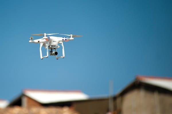 A partir des séquences prises par le drone, l'interface génère une maquette numérique 3D sur laquelle s'effectue la prise de cotes.