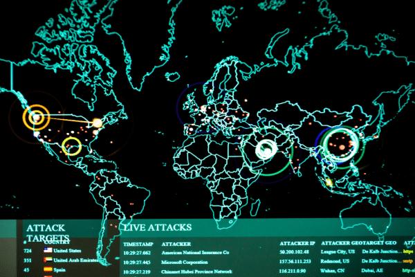 Le 22 février dernier, l'Icann, l'organisme international qui contrôle l'attribution des noms de domaine des sites internet à travers le monde, sonnait l'alarme concernant de nombreuses cyberattaques de DNS (Domain Name System).