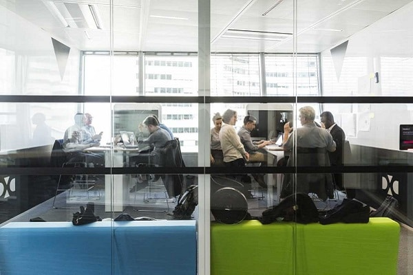L'IA crée des emplois chez DXC Technology
