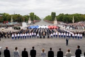 4 300 femmes et hommes ont défilé à pieds sur les Champs-Elysées ce 14 Juillet, On dénombrait également 67 avions ; 40 hélicoptères ; 196 motards et 237 chevaux… (photo Elysée)