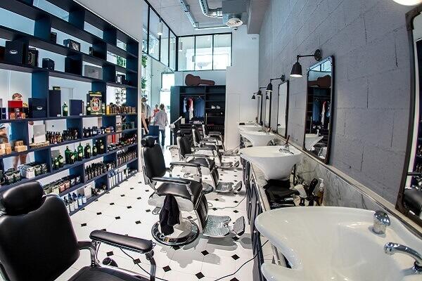 MadameMonsieur est une boutique concept dédiée à la beauté et au bien-être pour elle et lui, située au coeur du quartier Designer Gallery de Polygone Riviera à Cagnes-sur-Mer (Alpes Maritimes