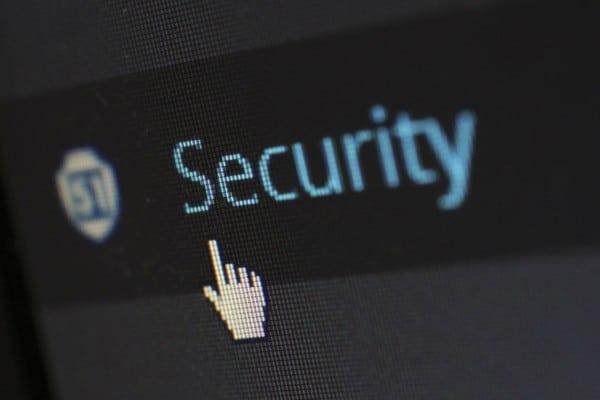 Le propriétaire du virus Retadup - dont l'identité reste inconnue - infectait des ordinateurs par l'intermédiaire de liens cliquables envoyés par e-mail ou bien des clés usb.