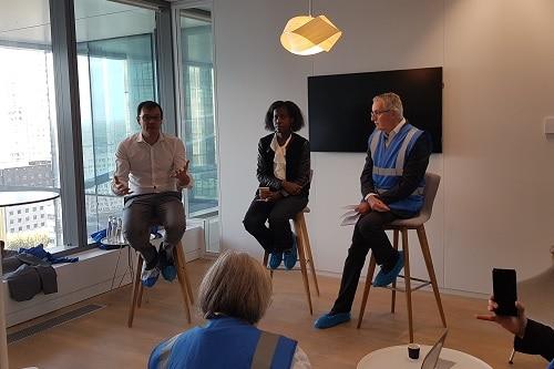 Régis Blugeon, directeur des Ressources humaines France du groupe, avec Katie Cotellon, responsable du design et de l'expérience utilisateur et Alessandro Giassi, responsable du Datalab de Saint-Gobain Recherche Paris.