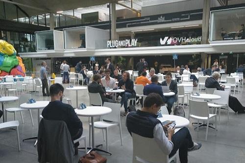 Le speed-dating ETI/Start-up à Station F a attiré moins d'entreprises que prévu