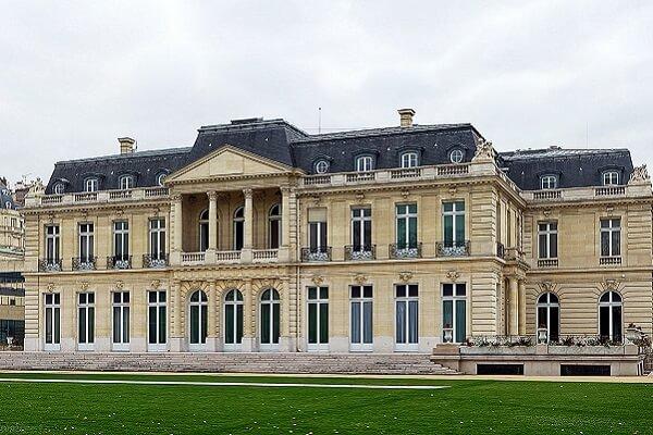 Le château de la Muette, siège de l'OCDE.