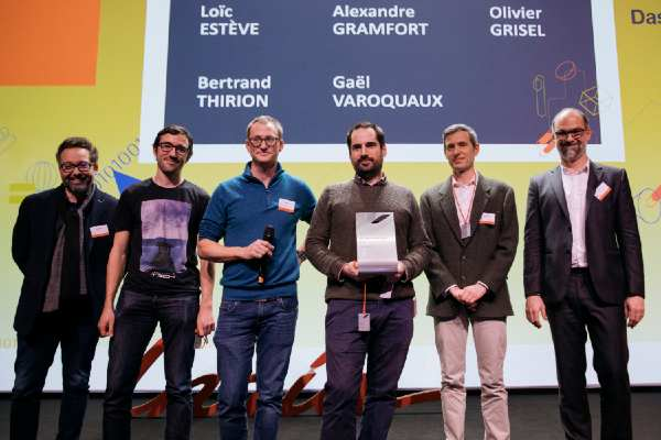 En 2019, le Scikit-Learn a remporté le prix de l'innovation Inria - Dassault Systèmes. Les chercheurs récompensés sont _ Loïc Esteve et Olivier Grisel, chercheurs Inria et Alexandre Gramfort, Bertrand Thirion,