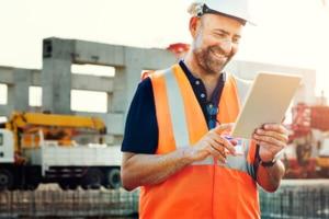 Suez et Bouygues Construction testent leurs premiers modèles d'assistant numérique