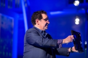 Kevin Mitnick animant une conférence à la Cyber Incursion de 2018 à Londres.