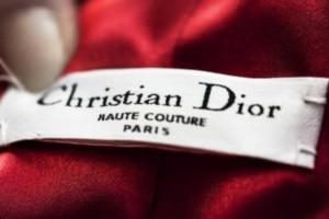 Dior Couture: l'IA au service de 2000 vendeurs dans 230 magasins.