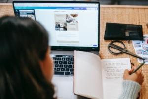Sendinblue lance une formation aux outils de marketing digital pour les PME