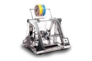 Certains pourraient pointer du doigt le prix rédhibitoire des outils et machines nécessaires à la création. Mais force est de constater que l'ingénierie se démocratise de plus en plus : si en 2007, il fallait compter 5.000 euros pour une imprimante 3D, aujourd'hui il est possible de s'offrir cette machine pour une centaine d'euros.