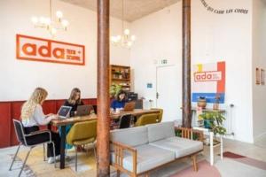 Ada Tech School lève 3 millions d'euros pour accélérer son déploiement