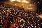 Sous l'étiquette « Entreprendre et consommer autrement » se tient du 23 au 25 octobre la 7e édition du World Forum de Lille, organisée par Réseau Alliances, organisme spécialiste de la RSE* dans le Nord-Pas de Calais. L'occasion pour la région de mettre en valeur son dynamisme et ses initiatives.