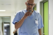 Les professionnels de santé peuvent installer la solution sur différents périphériques. ©Nuance