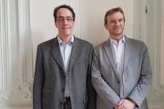 Stephan Hadinger et Boris Lecoeur, membres de l'équipe française d'AWS et respectivement responsable technique et responsable des activités AWS et partenaires en France, sont revenus jeudi 14 décembre sur les annonces faites lors de la conférence annuelle Re:Invent, qui a rassemblé fin novembre à Las Vegas plus de 40 000 personnes.