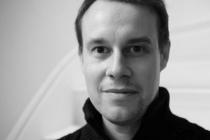 Diplômé de l'Ecole nationale de l'Aviation civile (Enac) et de l'ESCP Europe (MBA Executive Education), Hubert Riondel (photo), CEO de BigBlank, a rejoint Air France en 2007 en tant que pilote de ligne, une fonction qu'il abandonne peu à peu pour porter au plus haut l'innovation. Depuis septembre dernier, il travaille avec son équipe d'une douzaine de personnes, dans l'immeuble de Morning Coworking, au cœur du Xème arrondissement de Paris.