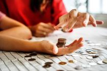 Le Pôle SCS accompagne depuis près de 8 ans ses membres dans la préparation à la levée de fonds et la mise en contact avec des investisseurs potentiels de type Business Angels et fonds d'investissement. Plus de 70 entreprises ont été accompagnées par le Pôle pour plus de 250 millions d'euros levés.
