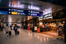 Pour le passager, c'est un nouveau service pendant le temps de vol pour accéder à tous les produits disponibles (gestion des stocks en temps réel) dans les boutiques duty-free en transit ou à l'aéroport d'arrivée sur un modèle de click & collect.