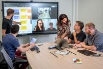 iObeya propose une plateforme d'entreprise qui permet d'accélérer le déploiement du Lean et de l'Agile à l'échelle des grandes organisation