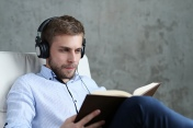 13 podcasts pour avancer dans un monde numérique… mais pas que
