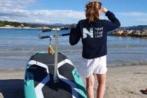 Soucieuse de l'environnement, Next Blue Tech a été créée dans le but de proposer une alternative au scooter des mers, qui par ses émissions, son bruit et toutes ses autres nuisances est un véritable fléau pour l'homme, la faune et la flore maritime.