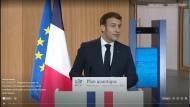 Emmanuel Macron dévoile son plan quantique