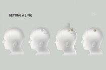 """Mesurant 23mm de largeur et 8mm d'épaisseur, la puce développée par Neuralink pourra selon Elon Musk être implantée dans nos cerveaux pour nous guérir ou nous """"augmenter"""" // Source : Neuralink"""