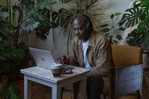 Cinq podcasts à ne pas rater sur le futur du travail