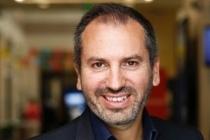 Fabrice Marsella, maire du Village by CA parisien.